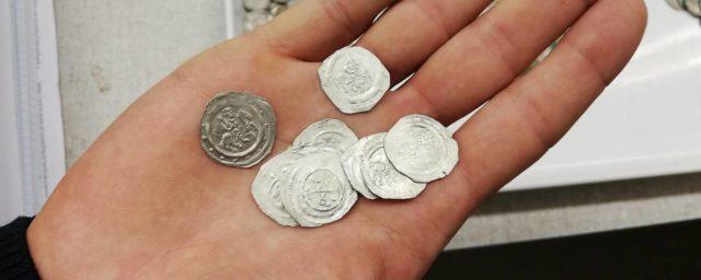 На кладбище в Мистельбахе найден клад с серебряными монетами