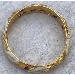 Пенсионерка случайно нашла драгоценное кольцо времен Шекспира